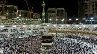 en raison de la pandémie, pas plus de 60000 pèlerins seront admis à la Mecque cette année, contre plus de 2 millions en temps normal.