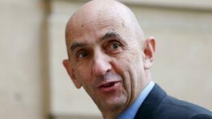 Louis Gallois, président du conseil de surveillance de Peugeot, va pendre sa retraite.