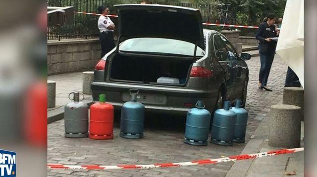 Capture d'écran montrant le véhicule soupçonné d'être un projet d'attentat avorté.