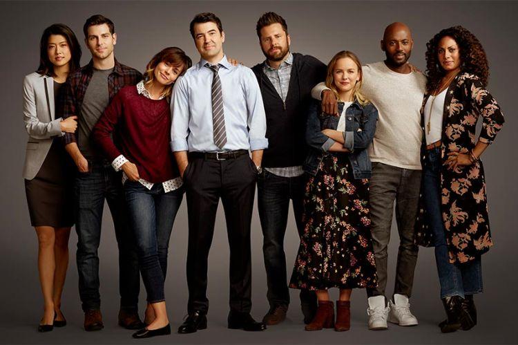 """La série """"A Million little things"""" diffusée sur TF1 Séries Films à partir du 5 juillet"""