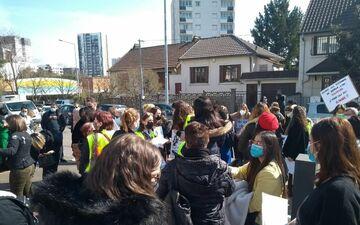 Bobigny, le 23 mars 2021. Il y a trois mois, un rassemblement des salariés avait été organisé par les délégués syndicaux devant les locaux de la Sauvegarde 93.