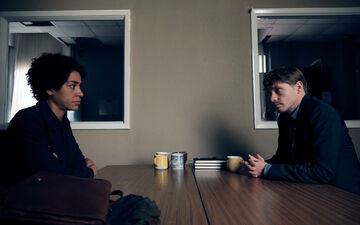 Dans «The Beast Must Die», le face-à-face qui s'instaure entre Frances et George, tout en tromperies et manipulations, est un pur régal. New Regency Productions, Scott Free Productions