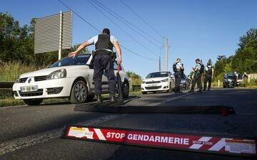 Le quartier du meurtre a été bouclé toute la journée de lundi. AFP / Thibaud Moritz